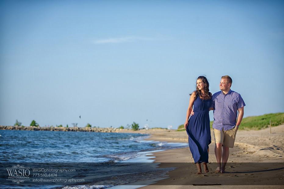 Lake-Michigan-Engagement-water-lake-beach-walking-hug-073-931x620 Lake Michigan Engagement - Carrie + John
