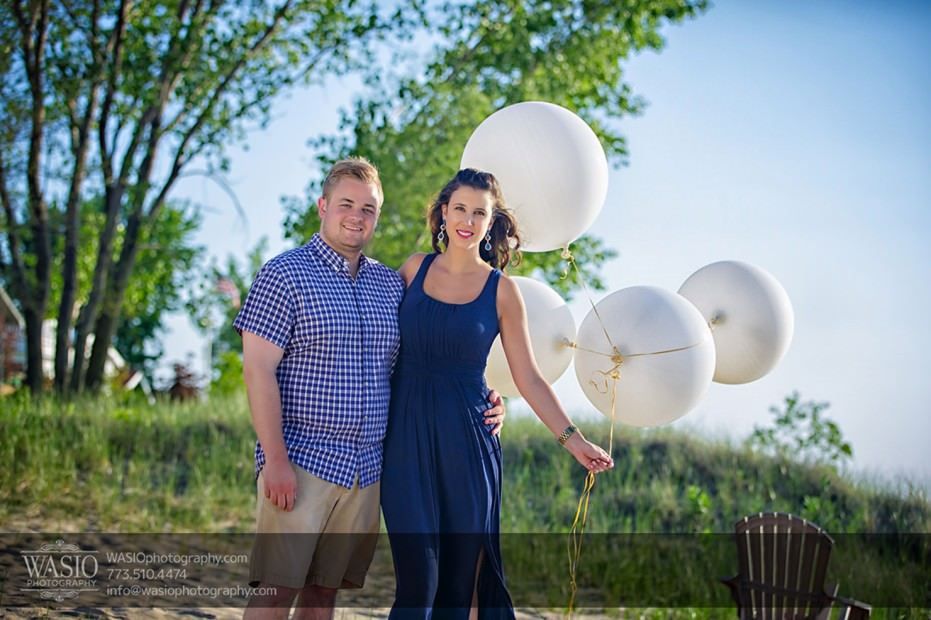 Lake-Michigan-Engagement-white-balloons-beautiful-scenery-072-931x620 Lake Michigan Engagement - Carrie + John