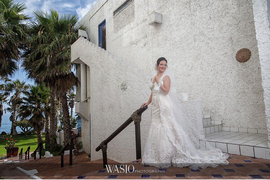 Las-Rocas-Resort-Rosarito-Wedding-bridal-portrait-outdoor-29 Las Rocas Resort Rosarito Wedding - Meaghan and Eric