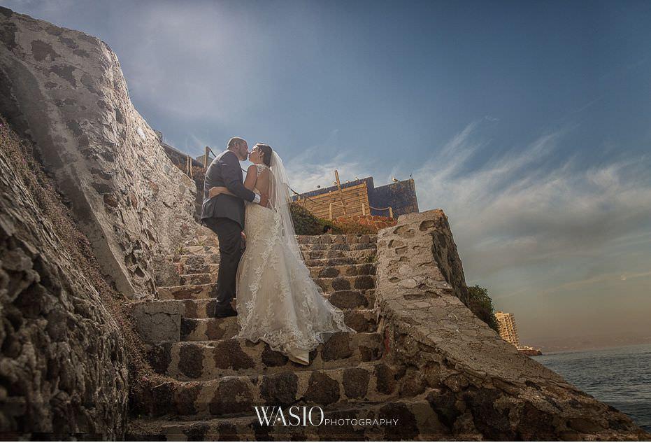 Las-Rocas-Resort-Rosarito-Wedding-bride-groom-sunset-portrait-kissing-48 Las Rocas Resort Rosarito Wedding - Meaghan and Eric