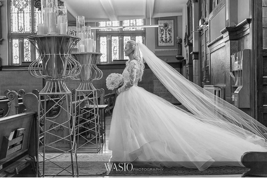 Lavish-wedding-by-Yanni-Design-Holy-Trinity-Ceremony-black-white-epic-bride-entrance-portrait-23 Lavish Wedding by Yanni Design - Maggie & Jerry