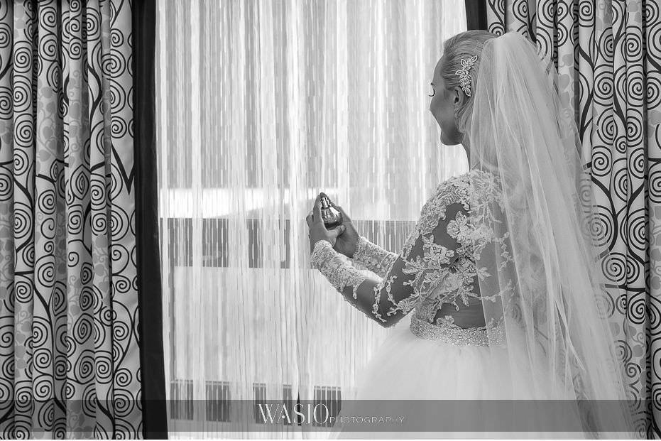 Lavish-wedding-by-Yanni-Design-black-white-bride-portrait-veil-perfume-12 Lavish Wedding by Yanni Design - Maggie & Jerry