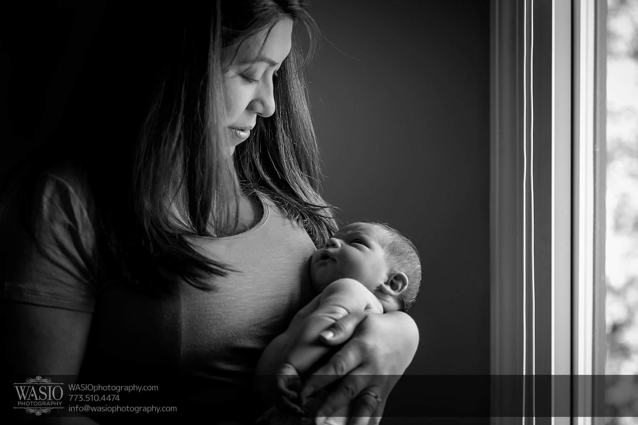 Log-NB-15_Q7A5354-Edit Chicago Newborn Photography - Logan