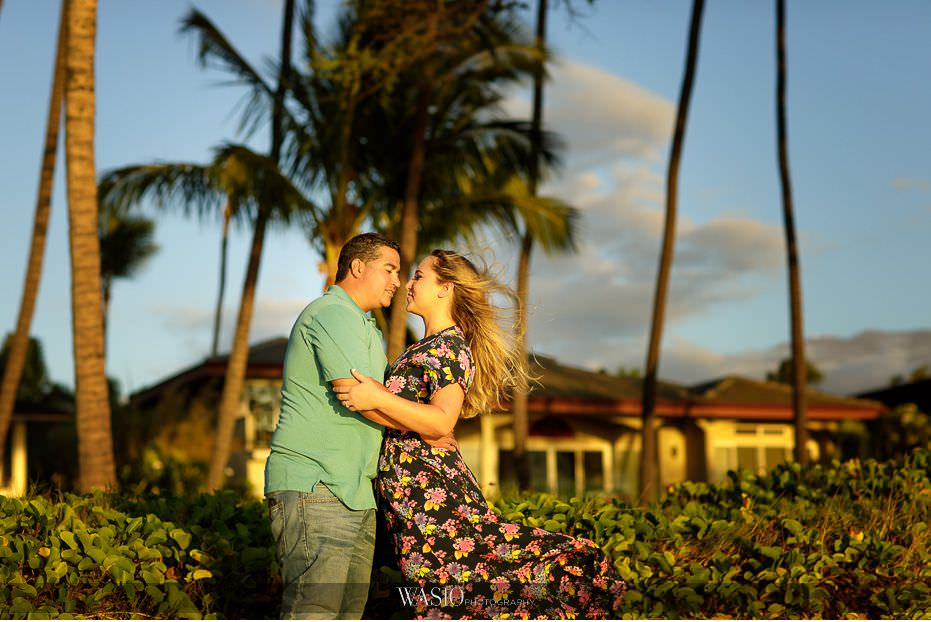 Maui-engagement-session-intimate-passionate-kiss-windy-palm-tree-photograph-inspiration-Hawaii-Lipoa-beach-25 Romantic Maui Engagement Session - Kristen and Frank