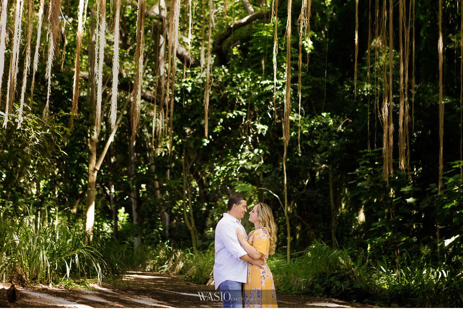 Maui-engagement-session-love-happy-couple-engaged-Hawaii-inspiration-photos-Honolua-Bay-16 Romantic Maui Engagement Session - Kristen and Frank