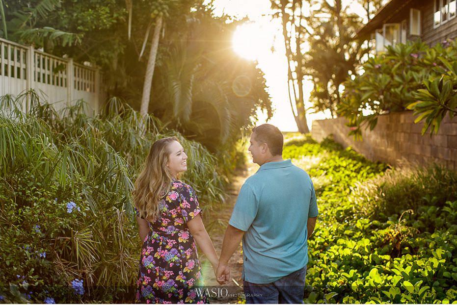 Maui-engagement-session-nature-tropical-Palm-tree-sunset-sun-flare-intimate-love-Hawaii-Lipoa-beach-23 Romantic Maui Engagement Session - Kristen and Frank