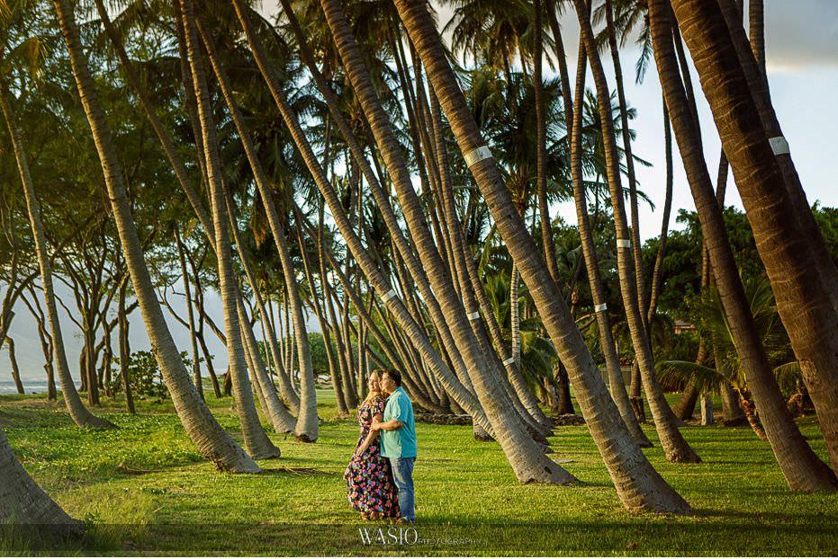 Maui-engagement-session-perfect-landscape-photograph-Hawaii-palm-trees-Lipoa-beach-24 Romantic Maui Engagement Session - Kristen and Frank