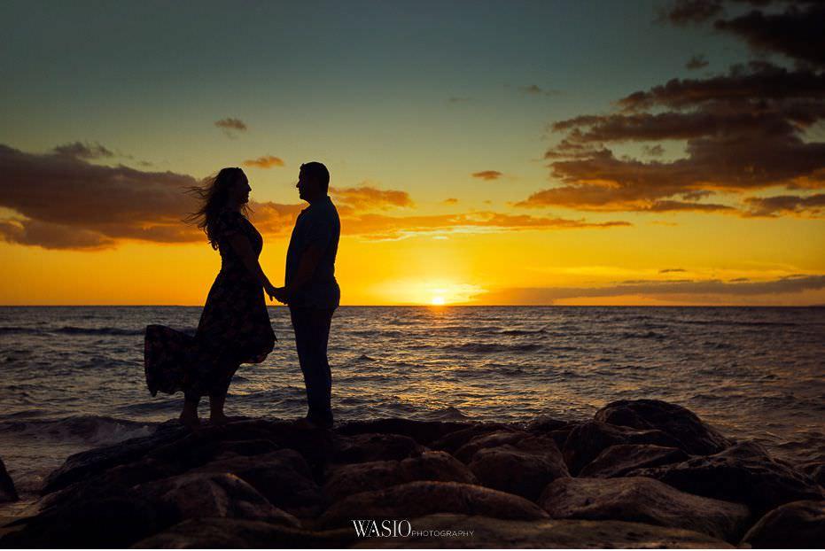 Maui-engagement-session-romantic-perfect-sunset-photo-Hawaii-windy-love-nature-Lipoa-beach-10 Romantic Maui Engagement Session - Kristen and Frank