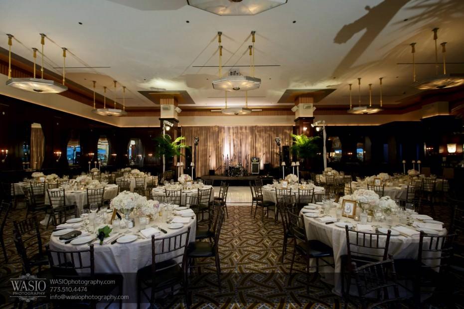 Montgomery-club-chicago-wedding-beautiful-venue-028-931x620 Montgomery Club Chicago Wedding - Lauren + Teddy