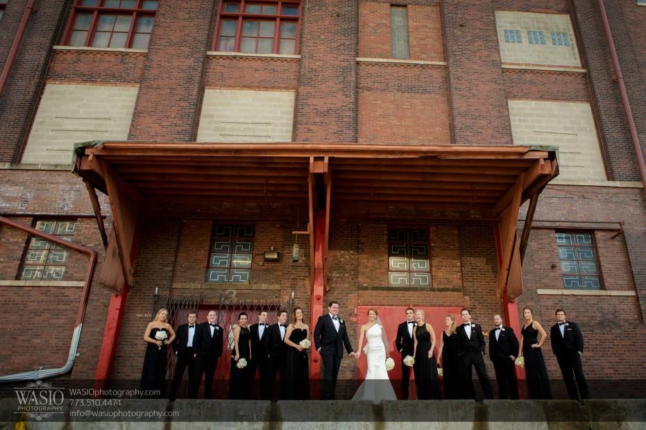 Montgomery-club-chicago-wedding-bridal-party-red-doors-fun-017-931x620 Montgomery Club Chicago Wedding - Lauren + Teddy