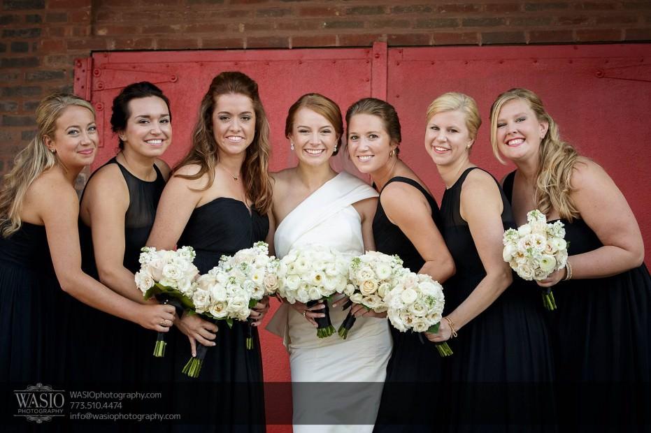 Montgomery-club-chicago-wedding-classy-bridesmaids-bride-020-931x620 Montgomery Club Chicago Wedding - Lauren + Teddy