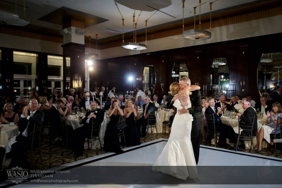 Montgomery-club-chicago-wedding-father-daughter-dance-pink-flyod-034-931x620 Montgomery Club Chicago Wedding - Lauren + Teddy