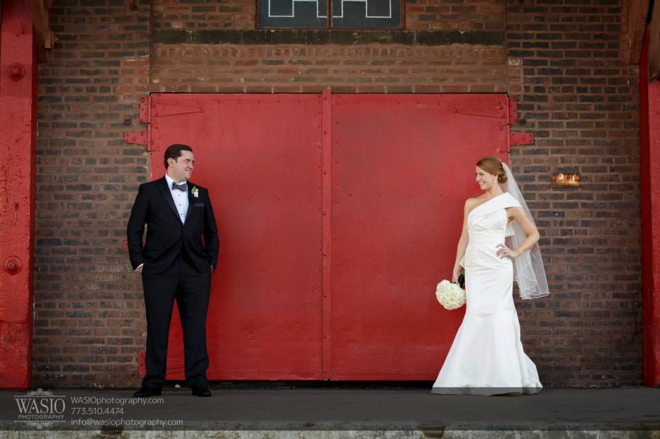 Montgomery-club-chicago-wedding-love-bride-groom-022-931x620 Montgomery Club Chicago Wedding - Lauren + Teddy