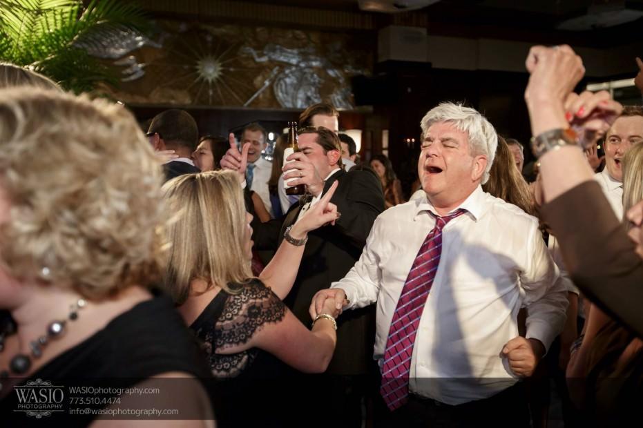 Montgomery-club-chicago-wedding-reception-full-dance-floor-maggie-speaks-037-931x620 Montgomery Club Chicago Wedding - Lauren + Teddy