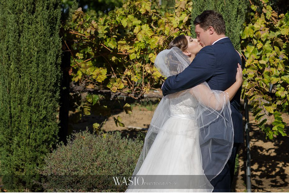 Mount-Palomar-Winery-Wedding-bride-groom-first-look-reaction-first-kiss-passionate-love-romance-64 Mount Palomar Winery Wedding - Chelsea & Brandon