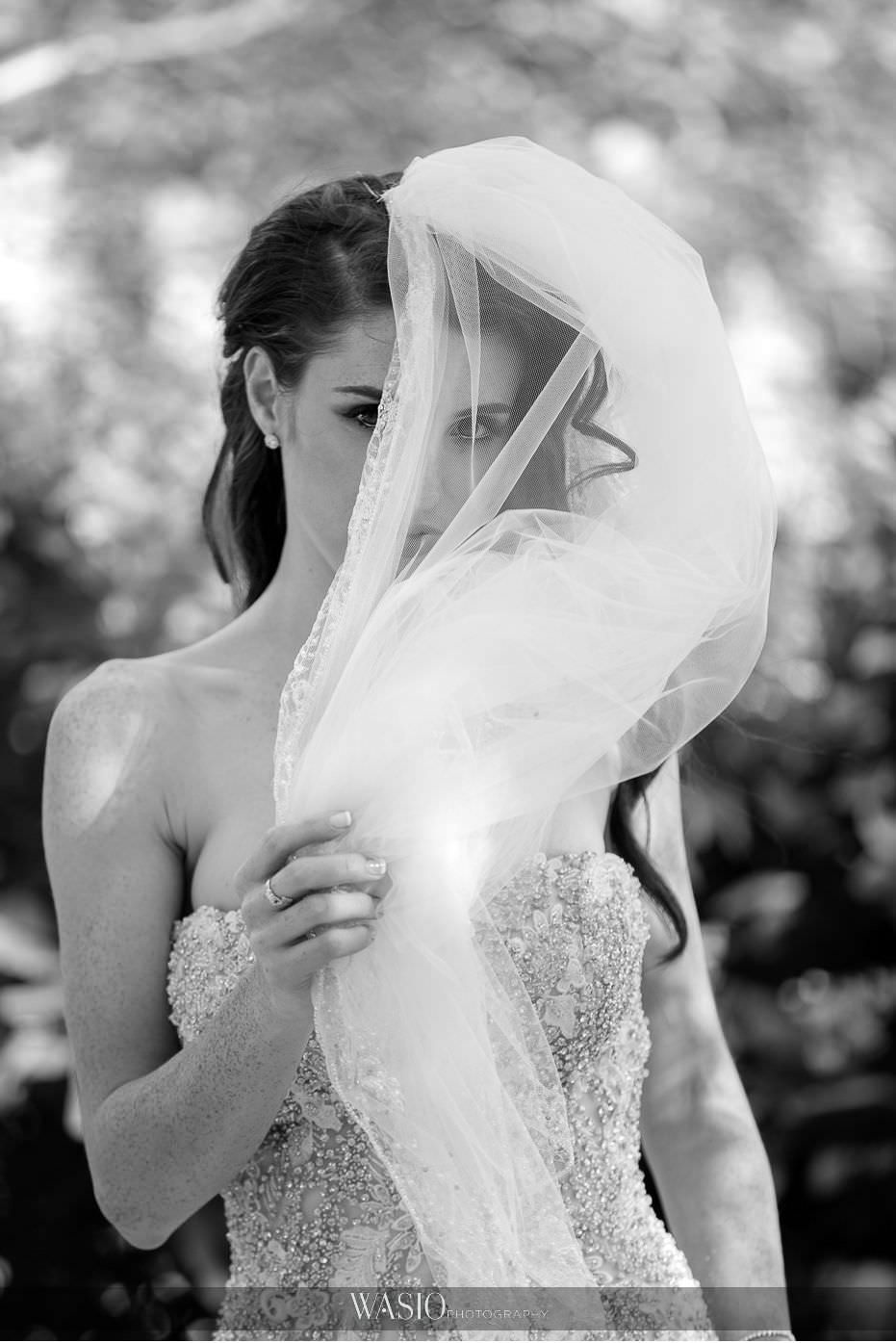 Museum-of-broadcast-communications-wedding-black-white-photograph-beautiful-bride-flowing-veil-51 Museum of Broadcast Communications Wedding - Alyssa & Salvatore