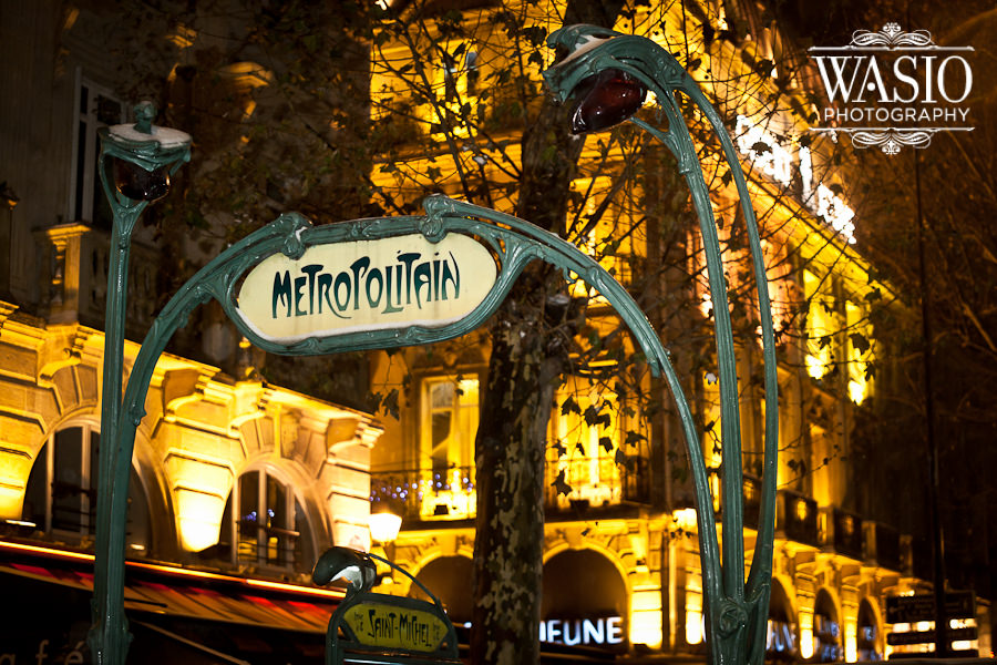 Christmas in Paris with unusual winter-holiday weather