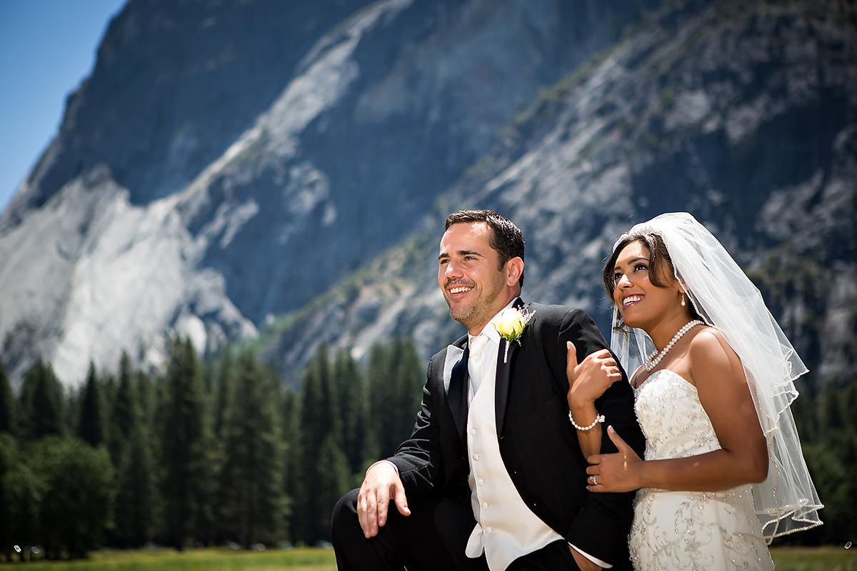 Chicago Destination Wedding Photography at Yosemite – Runa + Bryan