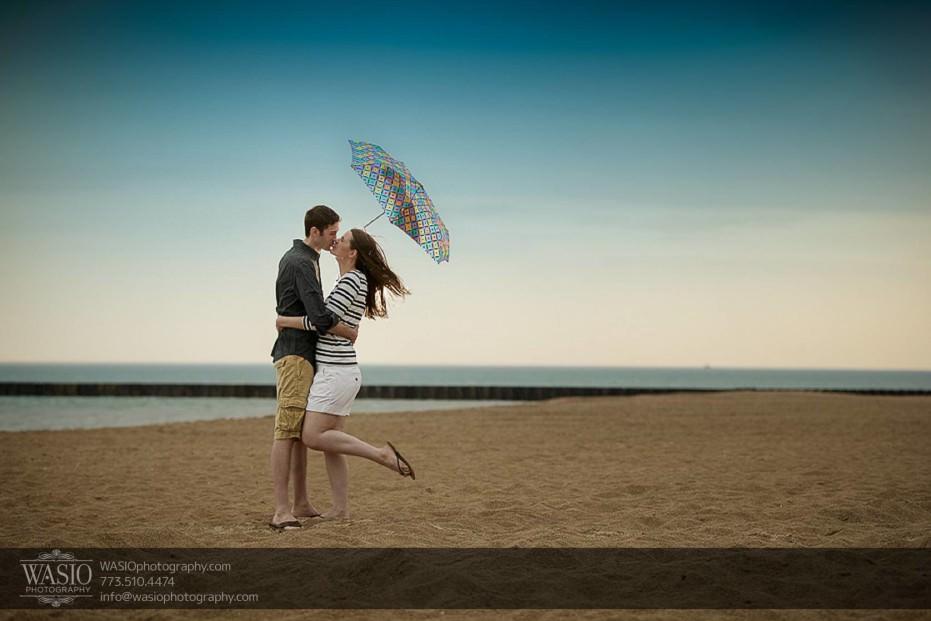 Rogers-Park-Engagement-Chicago-windy-city-loyola-beach-sunset-rain-passion-kiss-027-931x621 Rogers Park Engagement - Lauren + Jeff