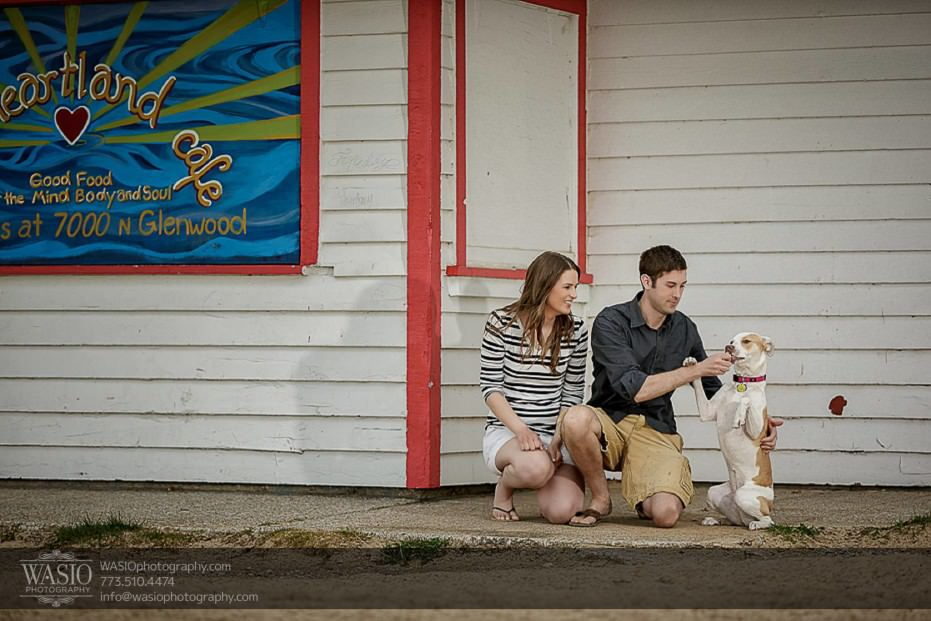Rogers-Park-Engagement-puppy-beach-cafe-sand-Chicago-spring-022-931x621 Rogers Park Engagement - Lauren + Jeff