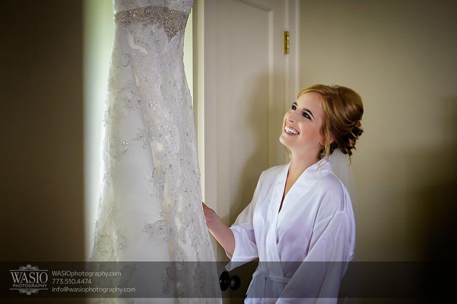 Rolling-Green-Country-Club-Wedding-010-bride-looking-at-her-wedding-dress-931x620 Rolling Green Country Club Wedding - Lauren & Nick