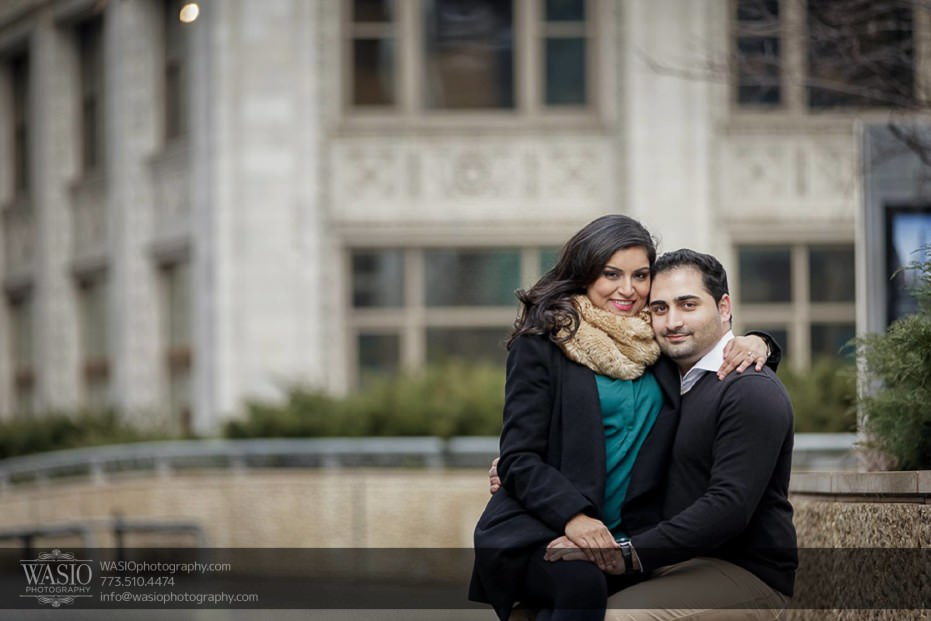 Snowy-Chicago-Engagement-Session-Trump-hotel-outdoor-my-kind-of-town-bench-hug-cute-winter-outfits-7-931x621 Snowy Chicago Engagement Session - Fatima + Asad