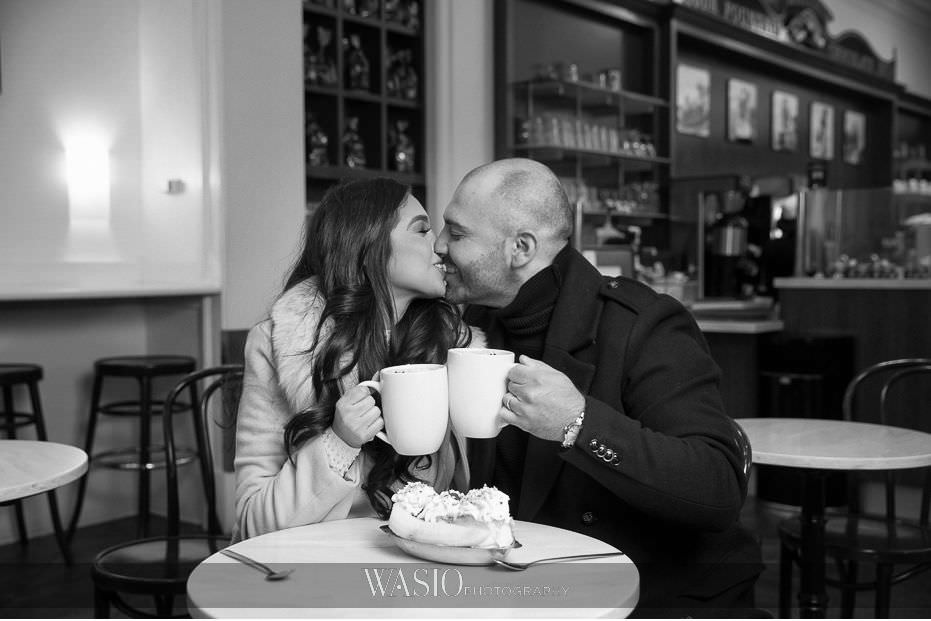 The-perfect-anniversary-photo-shoot-ghirardelli-black-white-photo-kissing-romantic-couple-55 The Perfect Anniversary Photo Shoot - Nicole & Anthony