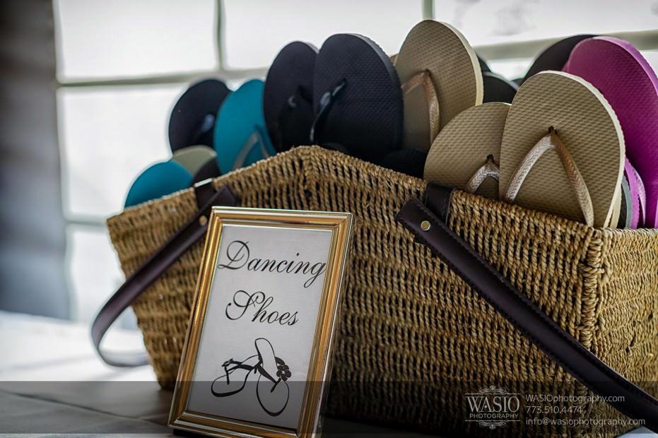 WASIO-Chicago-Wedding-Photography-0028-flip-flops-dancing-shoes-931x620 Cantigny Park Wedding - Danielle+David