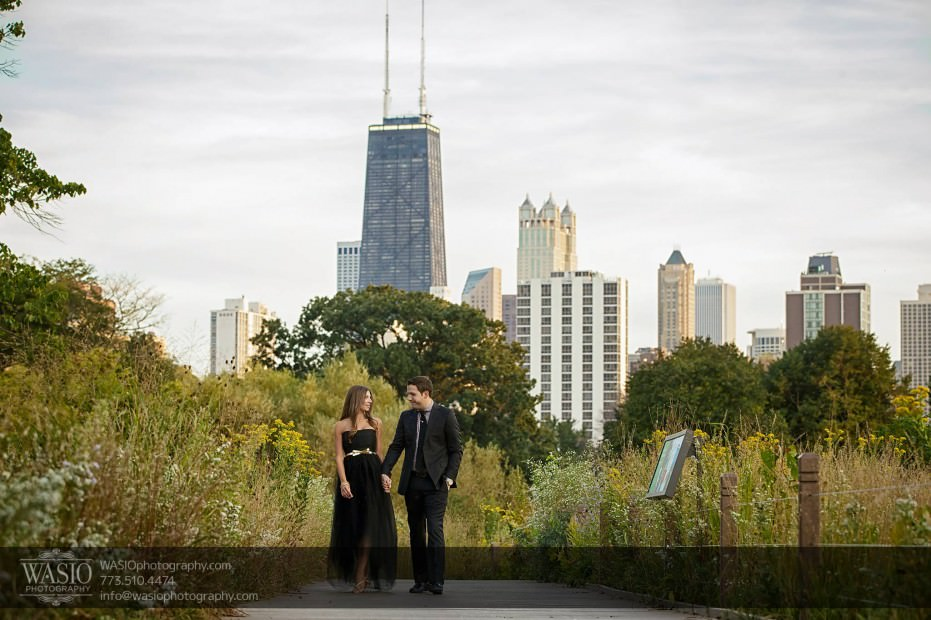 WASIO-photography-Lincoln-Park-Engagement-Photos-walking-intimate-fun-012-931x620 Lincoln Park Engagement Photos - Patricia + Jonas