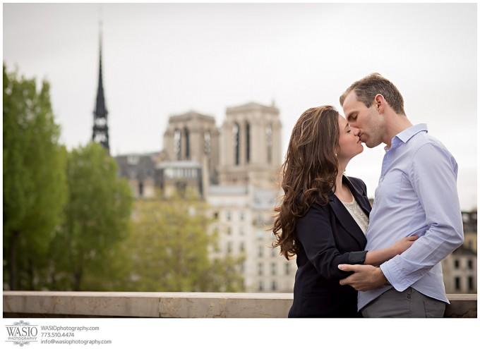 WASIO-photography-wedding-destination-engagement-paris-46-beautiful-romantic-kiss-on-bridge-680x495 Destination Engagement Photography in Paris - Sarah+Richard
