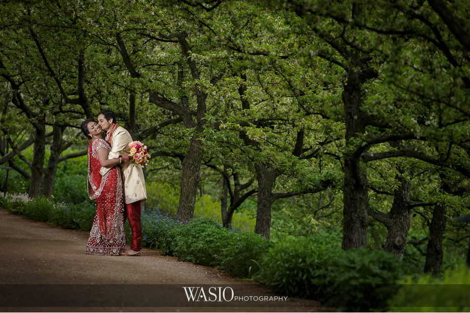 Winner-of-The-Knot-2017-Best-of-Weddings-botanic-garden-indian-wedding-couple-67 Winner of The Knot 2017 Best of Weddings