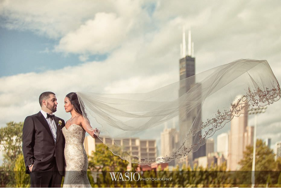 Winner-of-The-Knot-2017-Best-of-Weddings-chicago-skyline-blackstone-hotel-chicago-bride-groom-51 Winner of The Knot 2017 Best of Weddings