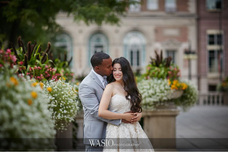 Winner-of-The-Knot-2017-Best-of-Weddings-modern-bride-groom-art-institute-chicago-50 Winner of The Knot 2017 Best of Weddings