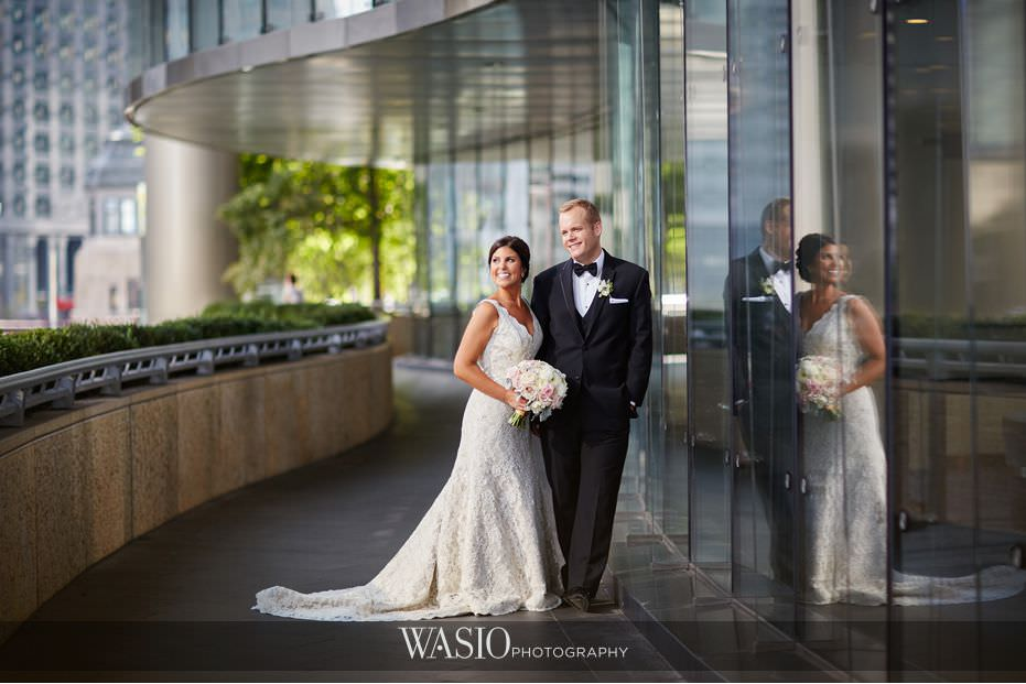 Winner-of-The-Knot-2017-Best-of-Weddings-trump-tower-bride-groom-epic-portrait-chicago-53 Winner of The Knot 2017 Best of Weddings