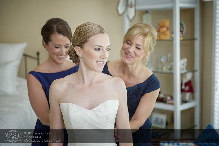 Wynstone-Golf-Club-Wedding-bride-preparation-mother-sister-82-Edit Wynstone Golf Club Wedding - Jen + Steve