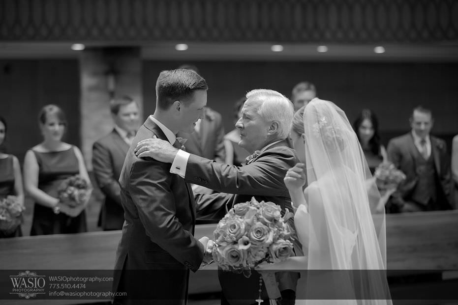 Wynstone-Golf-Club-Wedding-ceremony-black-white-photography-special-moment-father-of-bride-07-Edit Wynstone Golf Club Wedding - Jen + Steve