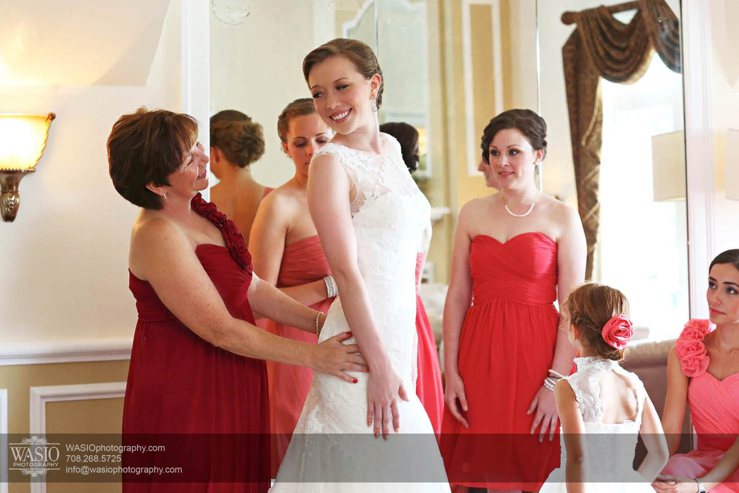 bridesmaids-mother-preparation-summer Chevy Chase Country Club Wedding - Elizabeth & Michael
