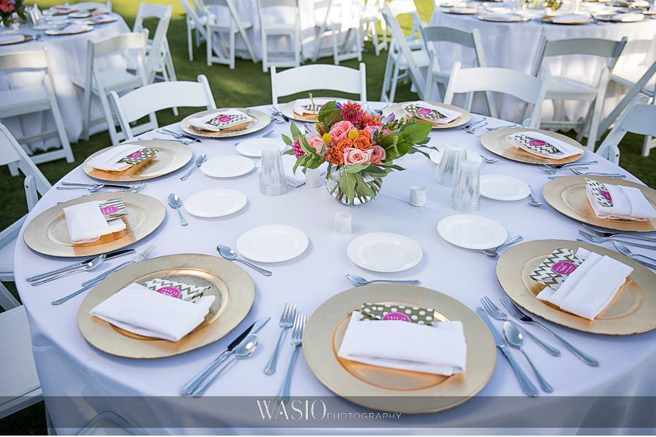catamaran-resort-hotel-wedding-gold-charger-plates-fresh-flowers-table-detail-68 Catamaran Resort Hotel Wedding - Anna and Andy