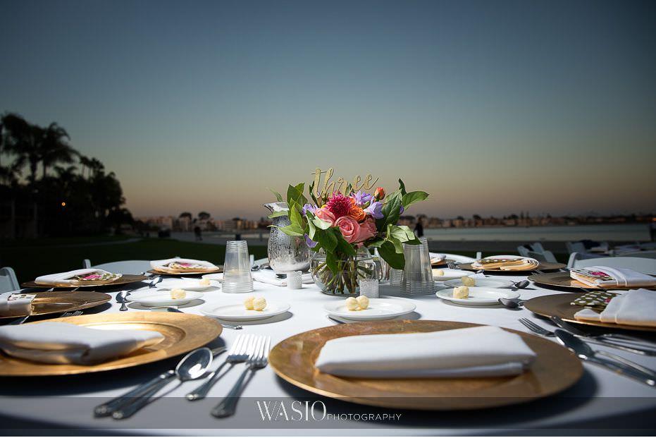 catamaran-resort-hotel-wedding-golden-sunset-table-detail-san-diego-california-77 Catamaran Resort Hotel Wedding - Anna and Andy