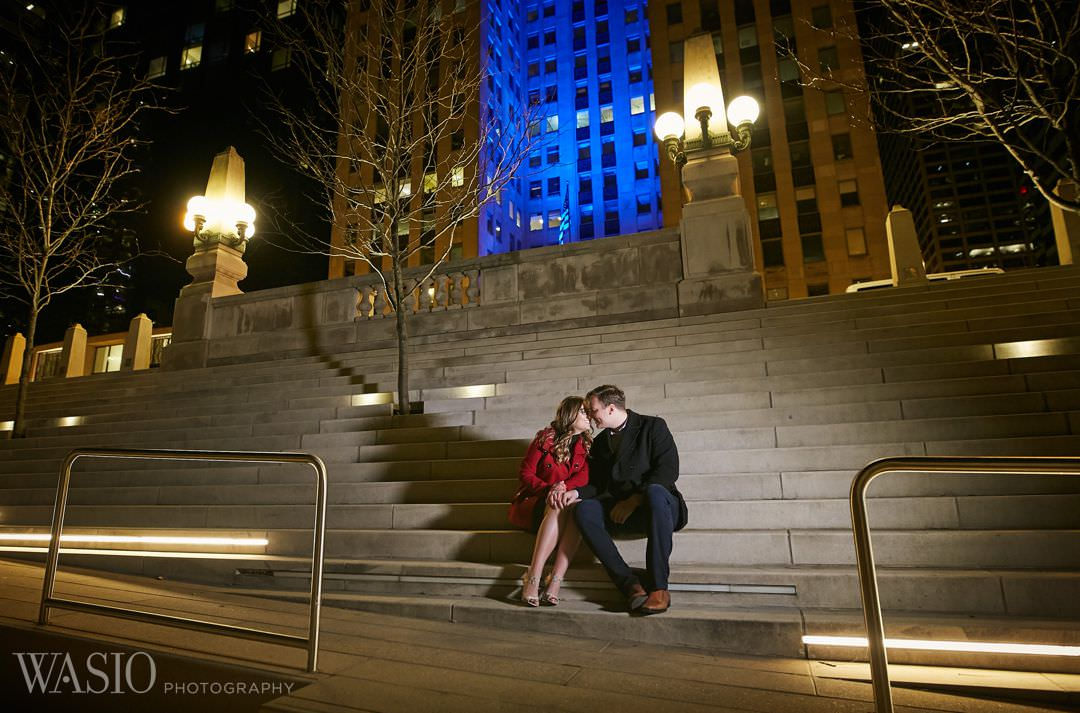 chicago-riverfront-cozy-groom-merchandise-mart Chicago winter engagement session - Lucy + John