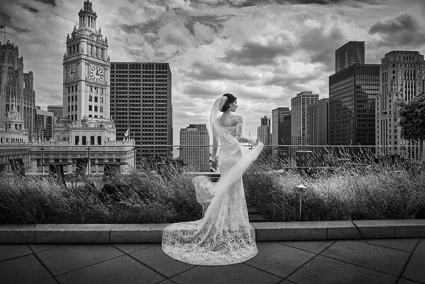 chicago-trumpo-tower-wedding-downtown 5 Steps to Finding The Perfect Wedding Photographer