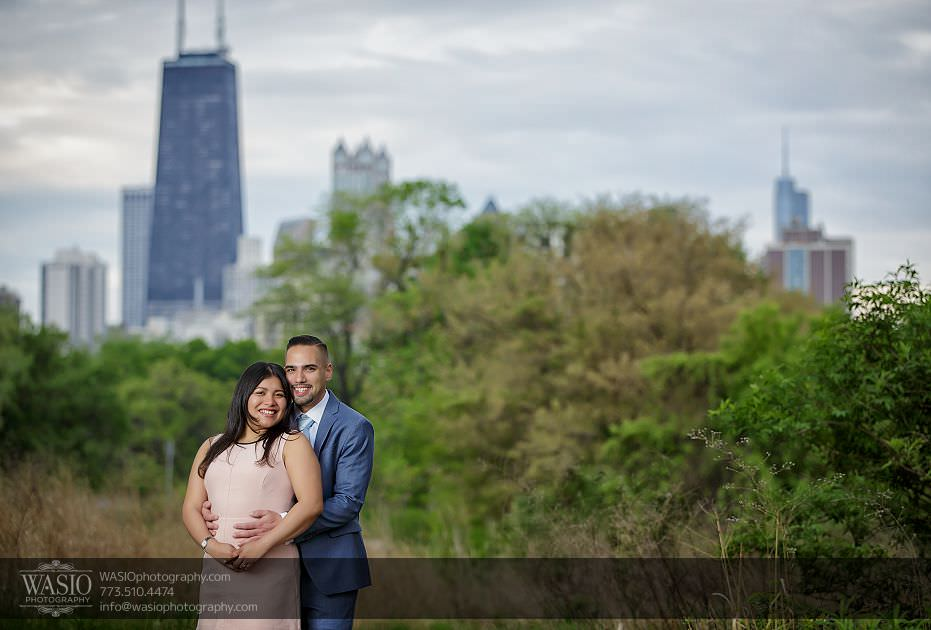engagement-photos-nature-city-Chicago-skyline-hancock-Lincolnpark-105 Engagement photos - Gricelda + Christopher