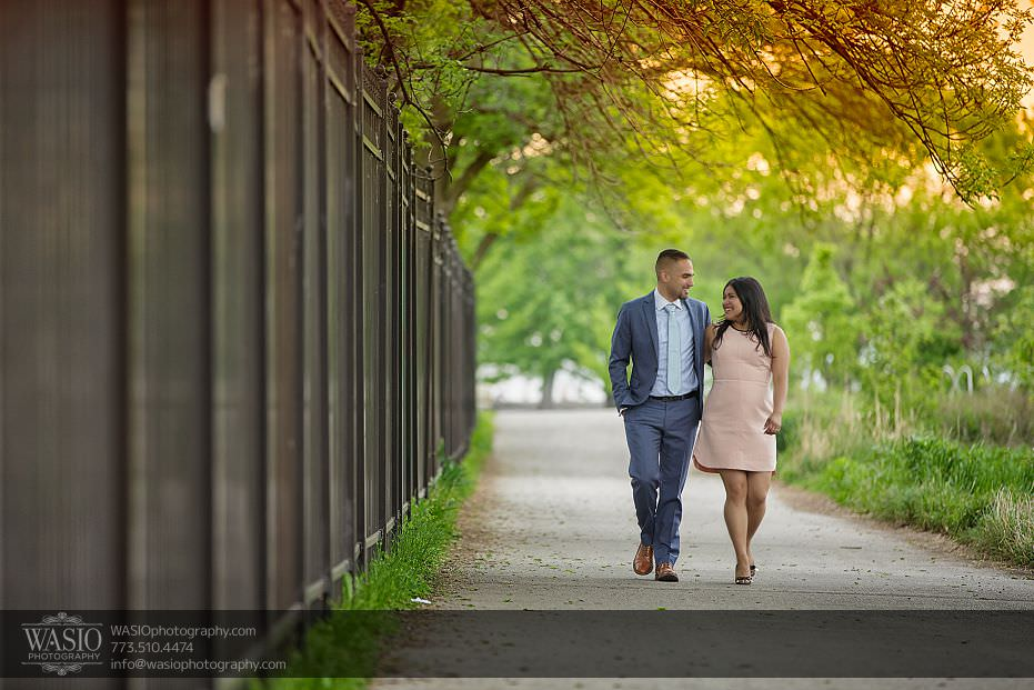 engagement-photos-walking-zoo-flirty-Lincoln-Park-109 Engagement photos - Gricelda + Christopher