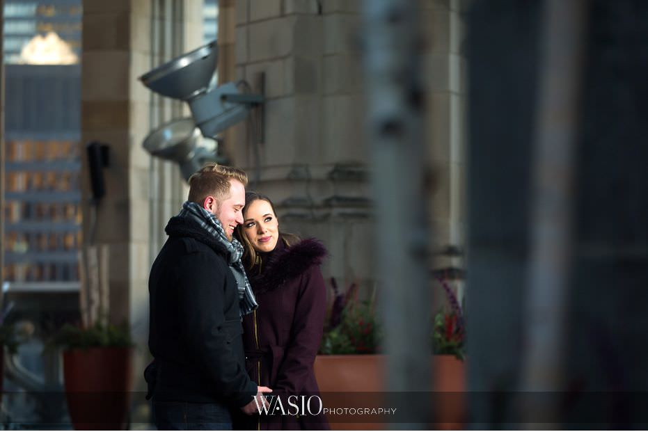 evening-engagement-photos-Chicago-Tribune-building-rooftop-romantic-intimate-session-California-photographer-San-Diego-57 Evening Engagement Photos - Izabela and Marcin