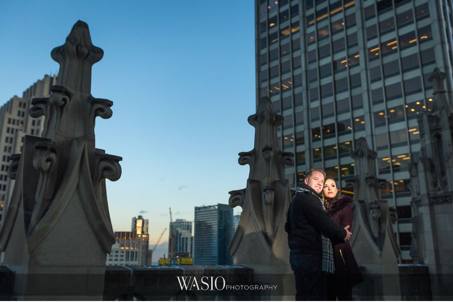 evening-engagement-photos-Chicago-tribune-building-destination-engagement-photos-romantic-dramatic-passion-love-cute-61 Evening Engagement Photos - Izabela and Marcin