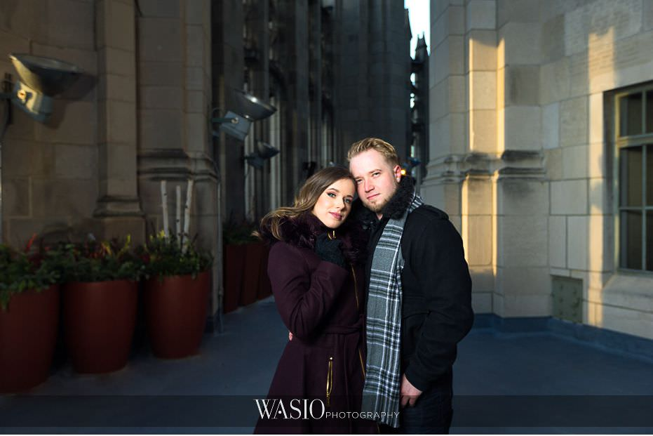 evening-engagement-photos-Chicago-tribune-rooftop-San-Diego-photographer-destination-engagement-56 Evening Engagement Photos - Izabela and Marcin