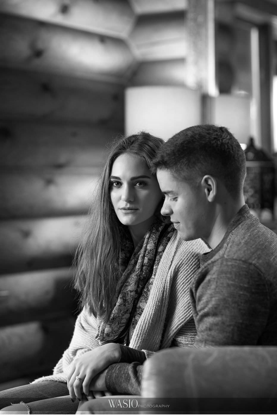 fall-engagement-pictures-black-white-photo-journailsm-beautiful-indoor-portrait-00 The Most Romantic Fall Engagement Pictures - Julia and Luis