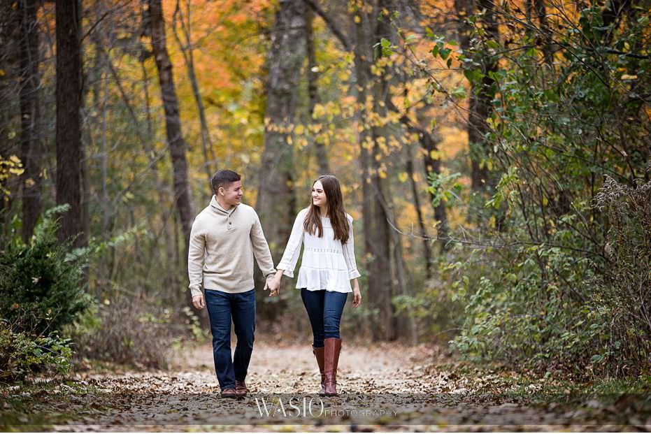 fall-engagement-pictures-fall-colors-romantic-hand-holding-leaves-fun-walking-81 The Most Romantic Fall Engagement Pictures - Julia and Luis