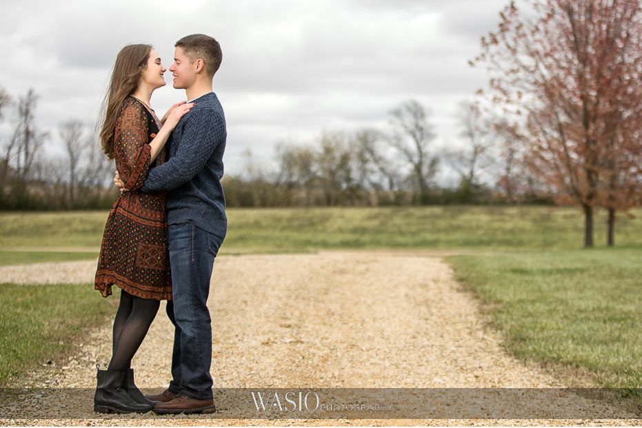fall-engagement-pictures-inspiration-idea-chicago-california-nature-fun-portrait-wind-hair-95 The Most Romantic Fall Engagement Pictures - Julia and Luis
