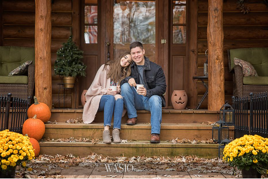 fall-engagement-pictures-romantic-fun-portrait-fall-golden-colors-06 The Most Romantic Fall Engagement Pictures - Julia and Luis